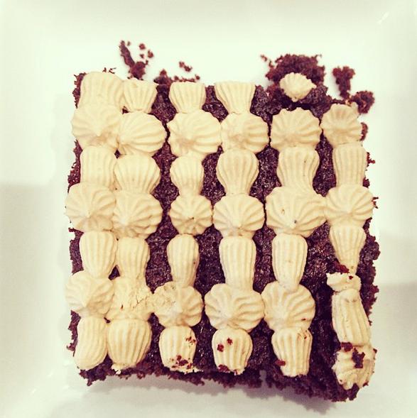 Y también hay postres: Brownie de harina de almendras sin azúcar refinada.